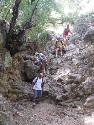 Climbing down Nachal Kedesh canyon