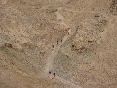12 May 2007 - 13:40 - Judaean Desert Jeep Trip - Hiking up Hyrcania (Tomer Shkolnik photo)